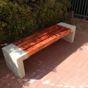 גליל 2 33 600x480 1 300x300 - ספסל עץ שילוב בטון דגם 5