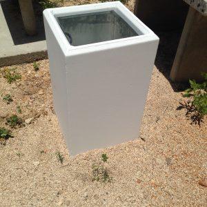 בטון מרובע 1 300x300 - אשפתון בטון חלק