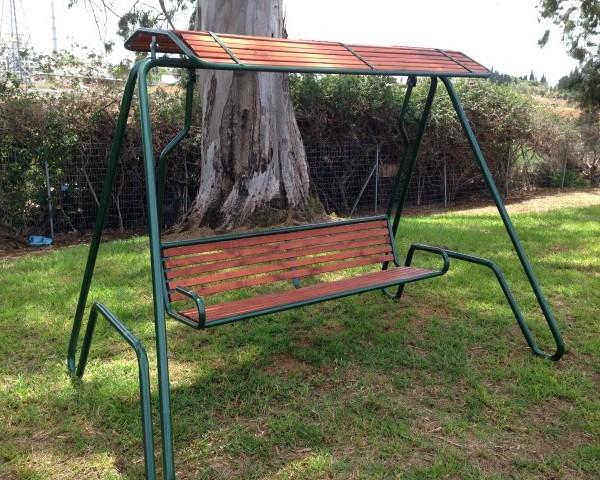 IMG 4161 Small 600x480 - נדנדה דגם רביב שילוב ברזל ועץ מלא